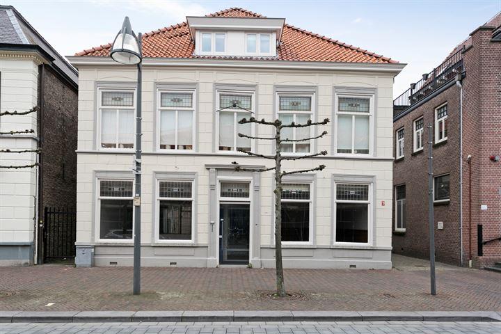 Grotestraat Waalwijk | By Brekel